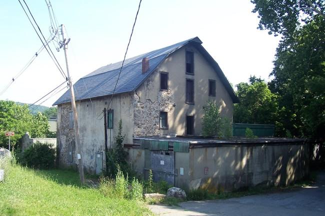 Asbury Grist / Graphite Mill